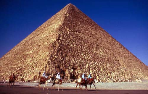 The awesome sight of the great pyramid of Cheops